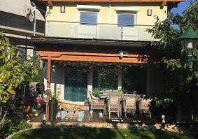 Haus mit garten und pool  HAUS MIT GARTEN UND POOL, VIENNA **